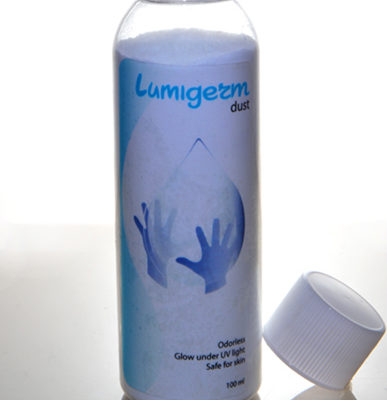 lumigerm-dust-with-cup